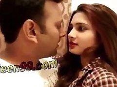 Gostosa indiana sexy pornô shortfilm
