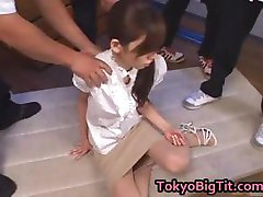 Asiatiske MiLF Rina Tomoa Blir Sprayet part2