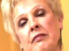 חם סבתא קוגר למצוץ זין שפריץ