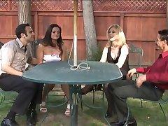 Nina Hartley & Stephanie Snabbt byta partner
