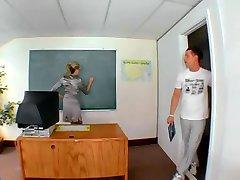 Milf Nauczycielka I Jej Uczeń