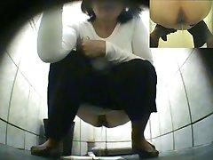 छिपा हुआ है.शौचालय.पेशाब.तहलका.Pisshunters-3