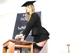 Holly Kiss Jerk Off di classe per le Fatture Mieli