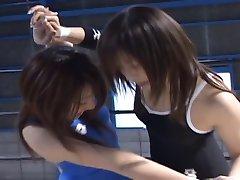 日本的美女摔跤
