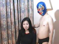 华丽的中国女孩vs小国职业摔跤手