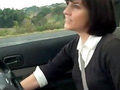 Fantastisk MILF Onani i bilen