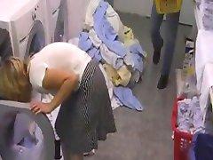 Hotelschlampe in der Waeschekammer geficktによるsnahbrandy