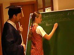 俄罗斯的女学生2莉