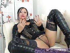 Asiática PornbabeTyra Dá-Lhe Desagradável Dominação