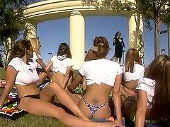 Hot Orgie in Aktion im freien