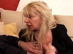 フランスの成熟n40金髪醜いママの気salope