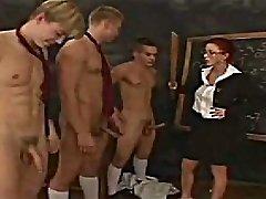 CFNM课堂的阴茎检查
