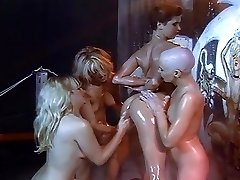 Lezzy oil and shaving orgy