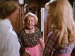 bestemor spy ungt par