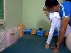 Hijab huijaaminen arabi Vaimo anaali kapali arkadan