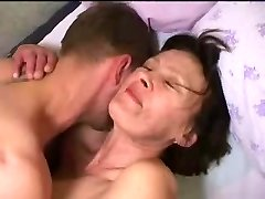 penetrating mommy sooo good