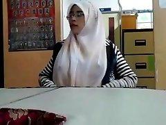 малай - cikgu bertudung рамас тетеке