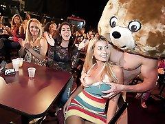 красивые лица потрахаться с пляшущим медведем