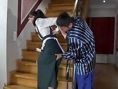 горничная насиловали на лестнице