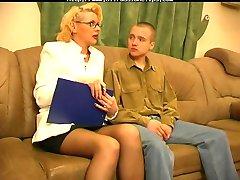 रूसी परिपक्व Womensex के साथ युवा Guys01 रूसी निगल