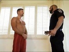 Politiet stopper Dusj