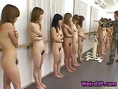 Stor japansk gangbang hårdporr part1