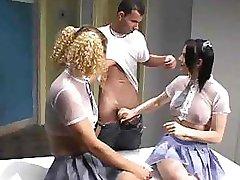 三人行变性人
