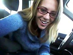 שובב הגברת גלי ברכב !!