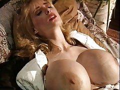 Vintage big tits rote Strümpfe Blondine Schleifen