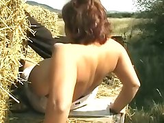 Riesige titty mom saugen Hahn