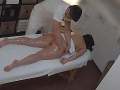 kurvige Frau, massage, voyeur (inszeniert)