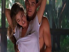 Denise Richards und Neve Campbell-Wild Things