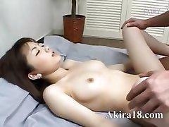 Japaner licking super haarige Fotze