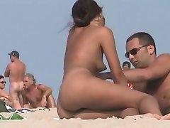 裸体的海滩-热辣妹