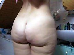 GERMAN Big Butt Shower
