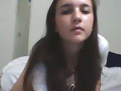 brunetka dievča s perfektný telo na webkamery