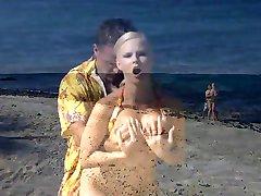 Tarra at the Beach