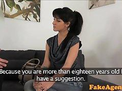 FakeAgent Vroče krokar las dekle zajebal trde