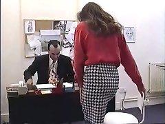 Brittiska MILF Nici Stirling blir knullade i office