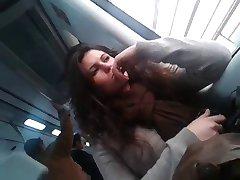 nadržaná dievča na vlak