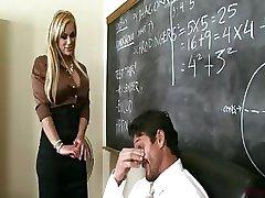 Busty Läraren Shyla Stylez Ger Handledning