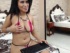 Heiße Latina Babe In Bikini