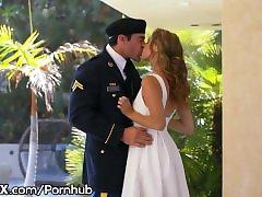 EroticaX Militärische Frau bekommt Ihr Creampie