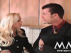 frumos germană blonde staruri porno kelly trump cu ea