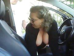 femei mature femeie se culcă cu un băiat in masina lui