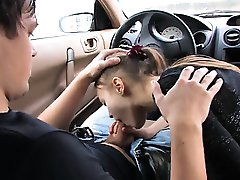 preluarea sex oral în mașină