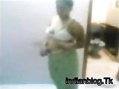 Delhi couples hot sex in bathroom. A must watch.