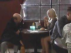 Evan石がこの温女の子ッ彼のコックと弄っ