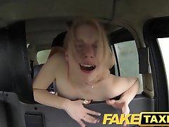FakeTaxi Kiimainen asiakas soittaa taksi bluff