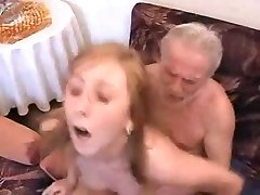 Děda šuká NE jeho vnučka